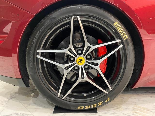 F1 DCT 特注カラーROSSO CALIFORNIA カーボンファイバーステアリング+LED フロントカメラ リアカメラ ROSSOブレーキキャリパー DAYTONA STYLEシート 20インチ鍛造ホイール(43枚目)
