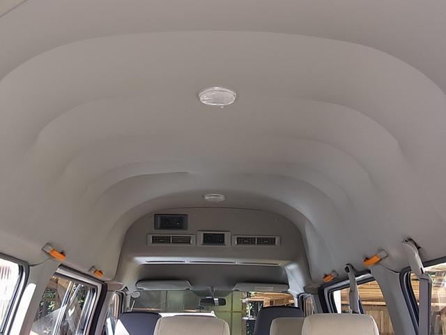 福祉車輛 スローパー 10人乗り 両側スライドドア(8枚目)