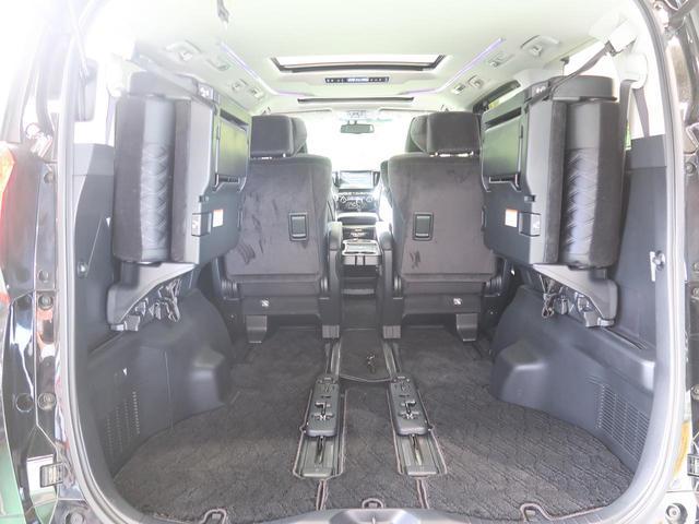 ラゲッジルームは、大容量のスペースを確保。リアシートを跳ね上げることでバリエーション豊かに収納できます。
