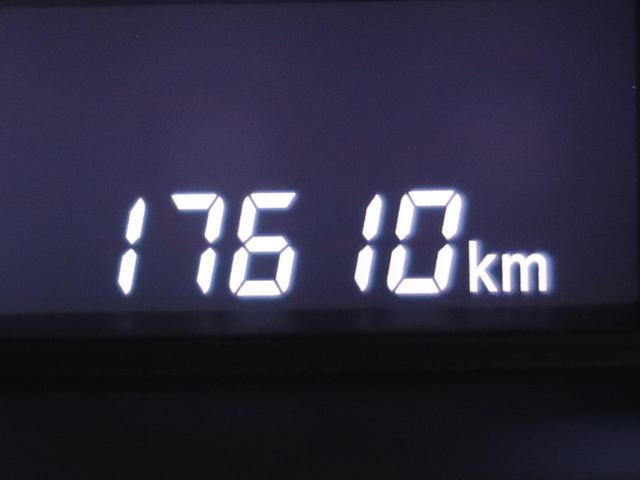 G 禁煙車 シートヒーター オートエアコン スマートキー アイドリングストップ 電動格納ミラー リアヒーターダクト バニティミラー(35枚目)