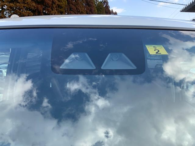 カスタム XリミテッドII SAIII ケンウッド新品ナビ パノラマモニター 運転席シートヒーター オートライト オートマチックハイビーム スマートアシスト3(4枚目)