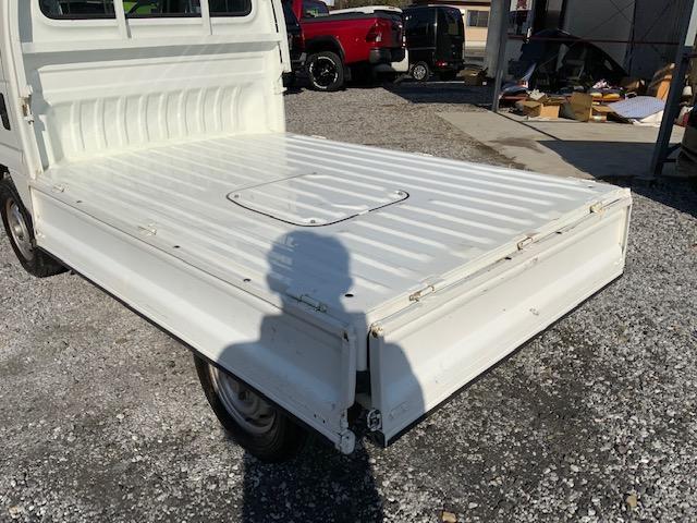 4WD 荷台と背面塗装仕上げ済み タイミングベルトH29.1.17交換済み エアコンレス(11枚目)