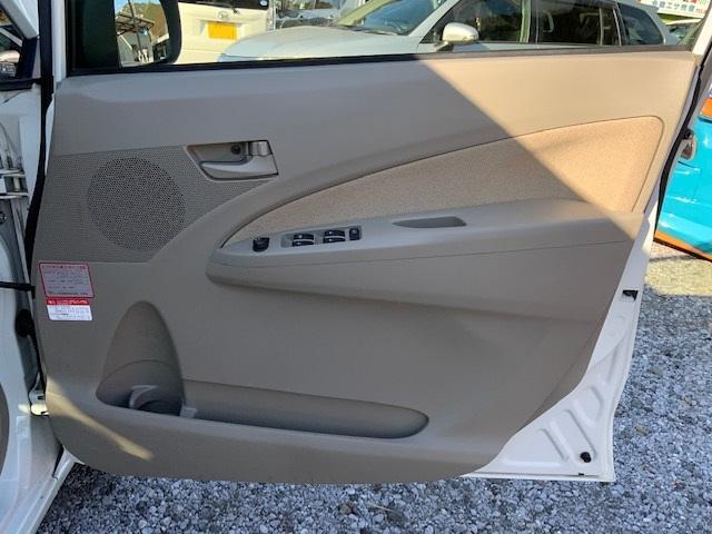 X プッシュスタート アイドリングストップ キーフリー オートエアコン タイヤ4本新品(40枚目)