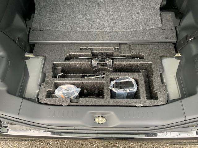 カスタムRS トップエディションSAIII 両側パワースライドドア LEDヘッドライト LEDフォグ オートライト オートハイビーム オートエアコン スマートアシスト 運転席シートヒーター キーフリー オート電動格納ミラー ターボ(18枚目)