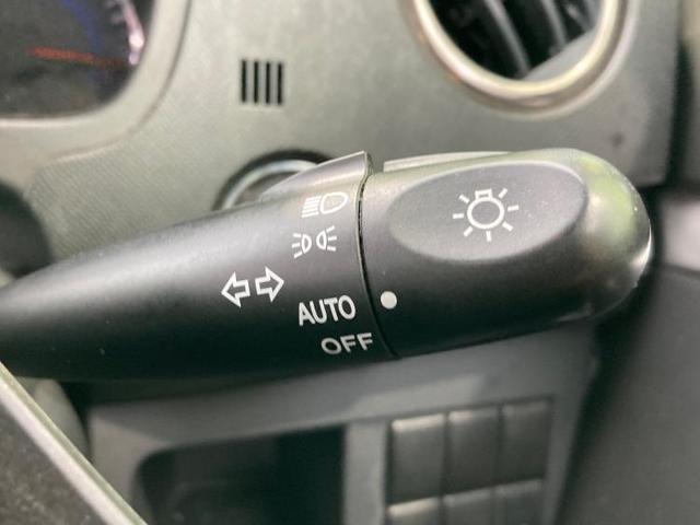 T ヘッドランプ HID/EBD付ABS/エアバッグ 運転席/エアバッグ 助手席/アルミホイール/パワーウインドウ/エンジンスタートボタン/キーレスエントリー/オートエアコン/パワーステアリング(12枚目)