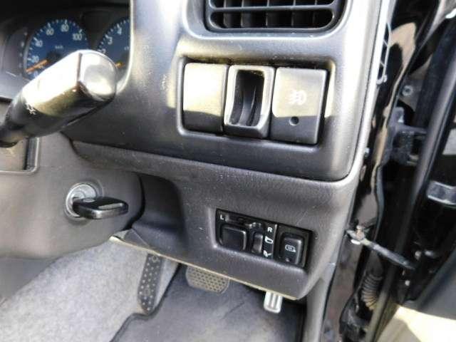 マツダ AZオフロード XC 4WD 20インチアルミ ローダウン