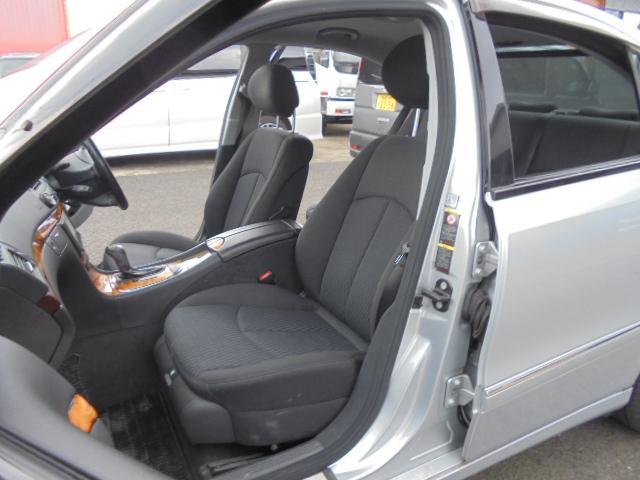 E280 社外ナビ 17インチAW ディーラー車 右ハンドル(5枚目)