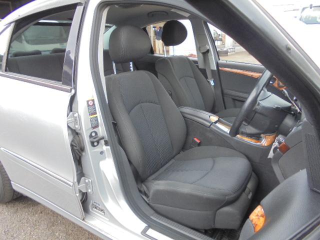 E280 社外ナビ 17インチAW ディーラー車 右ハンドル(14枚目)