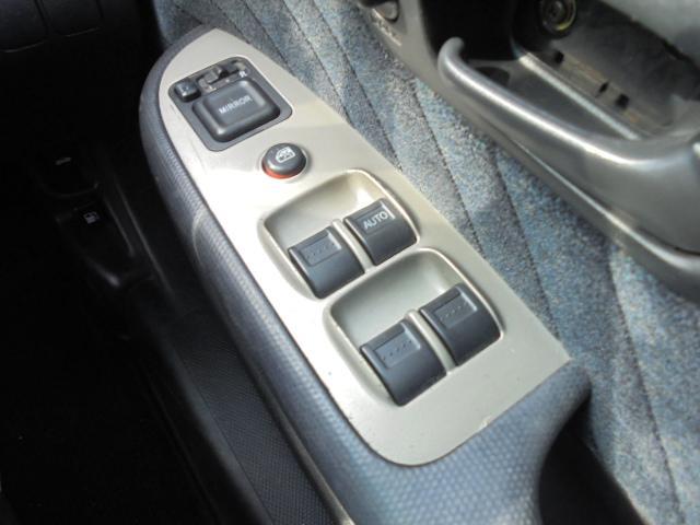 パフォーマiL 4WD 純正AW オートAC キーレス(17枚目)