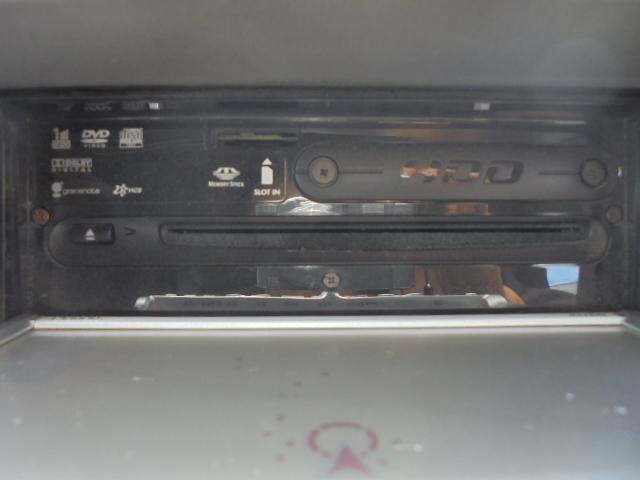 クラリオンMAX670 HDDナビワンセグTV(CD/DVD再生可能)。
