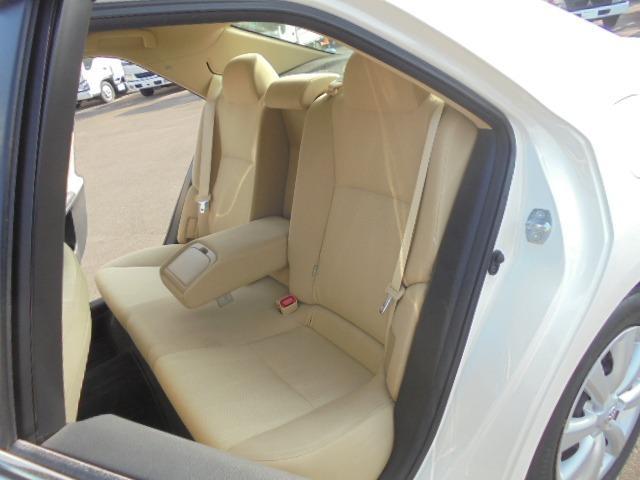 250G Fパッケージ ワンオーナー車・メモリーナビ・地デジフルセグTV・DVD再生・Bluetooth・純正キーレス・オートAC・HIDヘッドライト(6枚目)