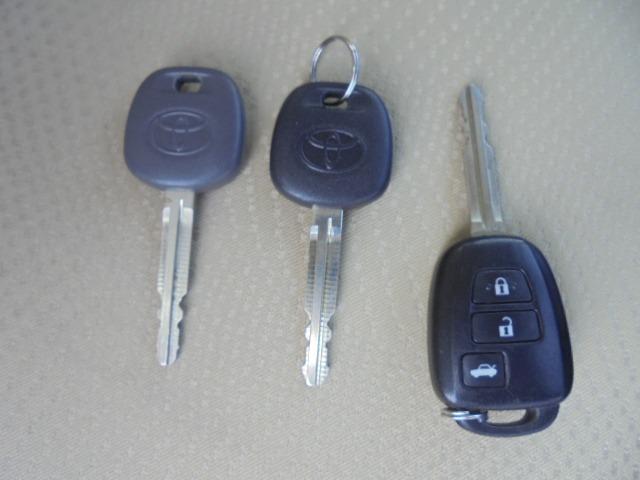 250G Fパッケージ ワンオーナー車・メモリーナビ・地デジフルセグTV・DVD再生・Bluetooth・純正キーレス・オートAC・HIDヘッドライト(28枚目)
