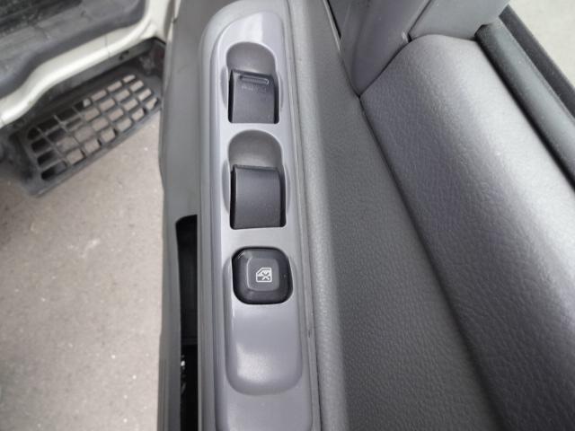 3.0t 冷凍冷蔵車 ハイブリッドディーゼル(9枚目)