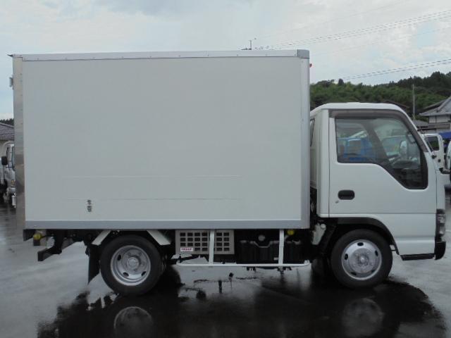 いすゞ エルフトラック 2.0t -5度冷凍冷蔵
