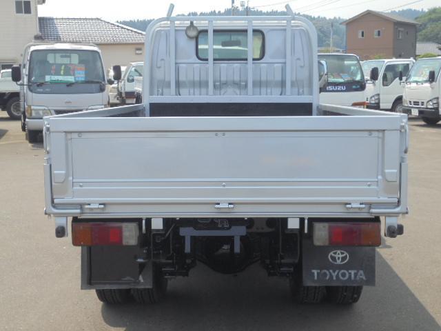 最大積載量2,000Kg(元タンク車で最大積載量1,610Kg)。