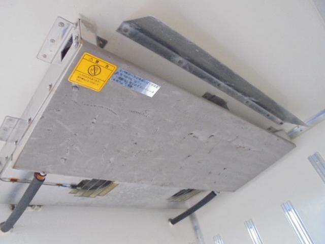 2.0t 冷凍冷蔵車 マイナス30度からプラス30度(5枚目)