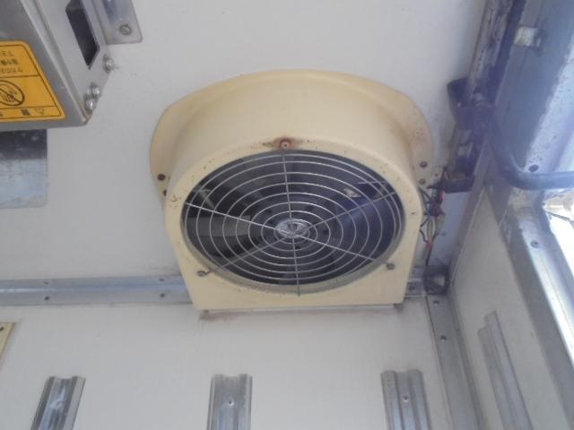 2.0t 冷凍冷蔵車 マイナス30度からプラス30度(6枚目)