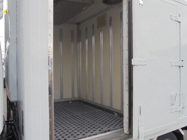 2.0t 冷凍冷蔵車 マイナス30度からプラス30度(7枚目)