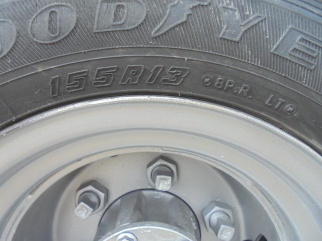 タイヤ 前輪 185R14 8PR 5分山程度です。