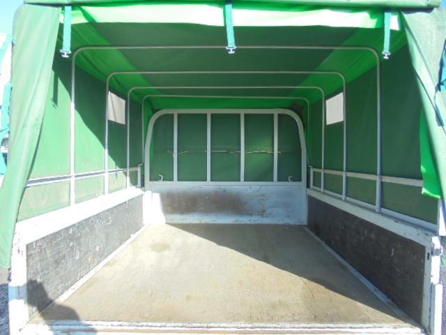 荷台長さ207×幅160×高さ126cmです。