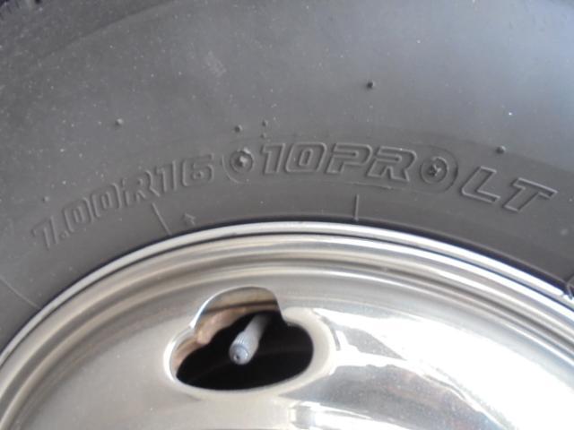 タイヤ 7.00R16 10PR 全輪8分山程度あります。
