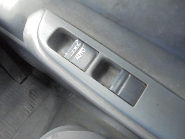 2.0tディーゼル・低床平ボディ・5速ミッション・集中ドアロック・左電動格納ドアミラー(12枚目)