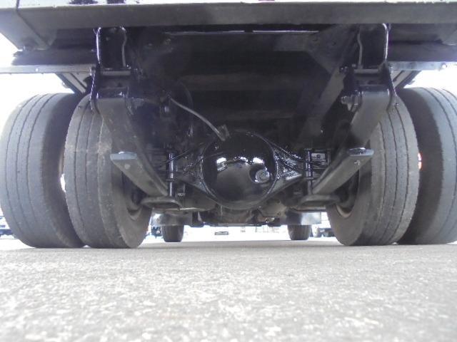 2.0tディーゼル・低床平ボディ・5速ミッション・集中ドアロック・左電動格納ドアミラー(28枚目)