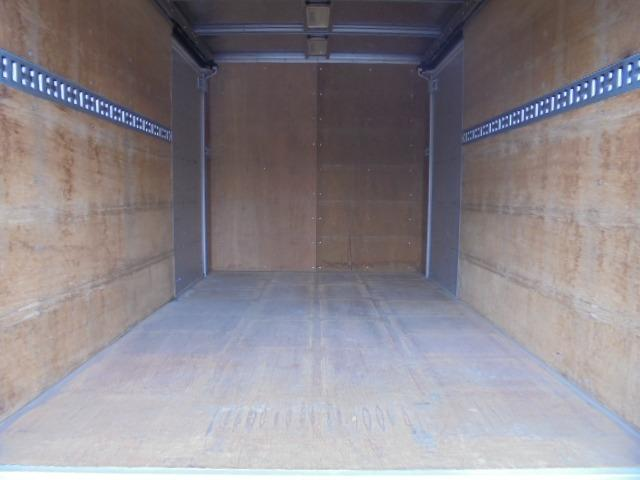 荷箱長さ303×幅176×高さ176cmです。