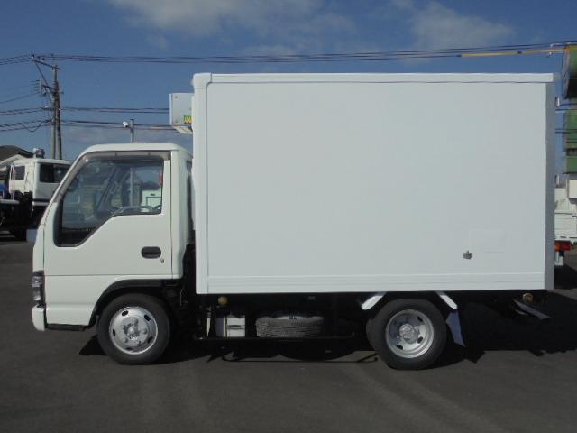 いすゞエルフ2.0t冷蔵冷凍車-30〜+30度を入荷しました!!