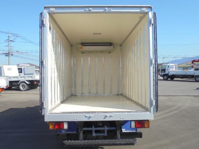 荷箱長さ306×幅171×高さ173cmです。