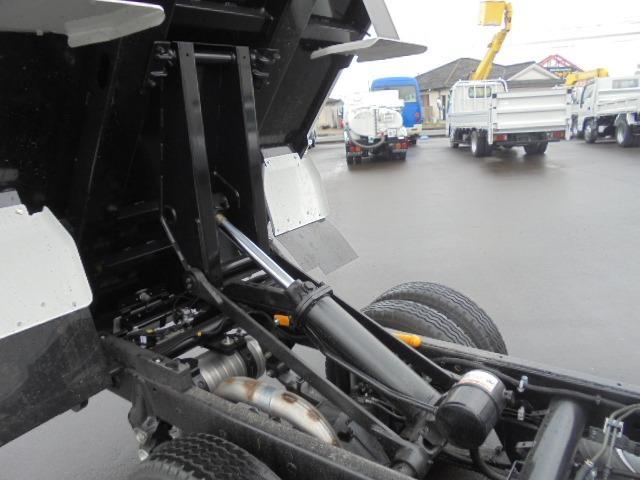 3.0tディーゼル 低床強化ダンプ 走行距離184km 衝突被害軽減ブレーキサポート レーンアシスト 荷台あおりコボレーン付き 左側電動格納ミラー キーレス(40枚目)