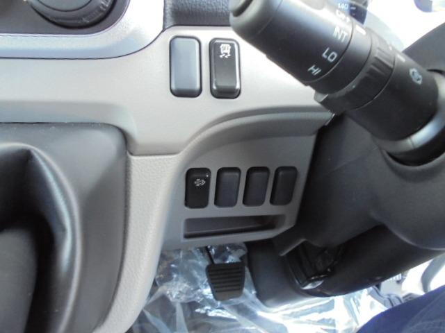 2.0tディーゼル Wキャブ 走行距離137km 衝突被害軽減ブレーキサポート レーンアシスト 車両安定制御装置付き 5速マニュアル車 キーレス(26枚目)