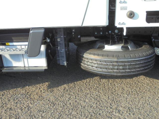2.0tディーゼル Wキャブ 走行距離137km 衝突被害軽減ブレーキサポート レーンアシスト 車両安定制御装置付き 5速マニュアル車 キーレス(42枚目)