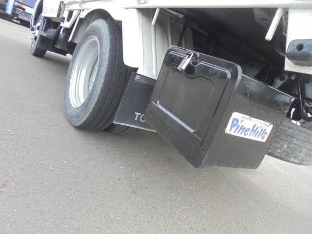 遠方からのお問い合わせも大歓迎です。毎日元気に働くトラックを全国に届けます!! 弊社が、送料を半額分負担致します!!(大型車・バスは除き、普通・小型のトラック・バン限定で同業者様は除きます。)