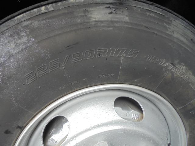 タイヤ 225/90R17.5 127/125L 全輪7分山程度あります。
