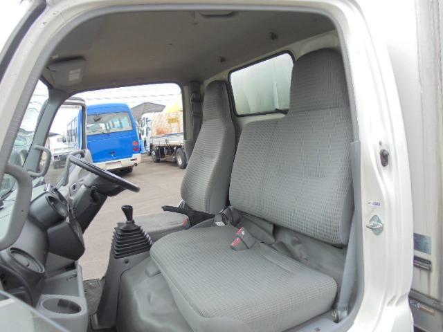 2.0t アルミバン ディーゼル 5速マニュアル車 集中ドアロック付き ETC 3人乗り エアコン パワステ パワーウインドウ(4枚目)