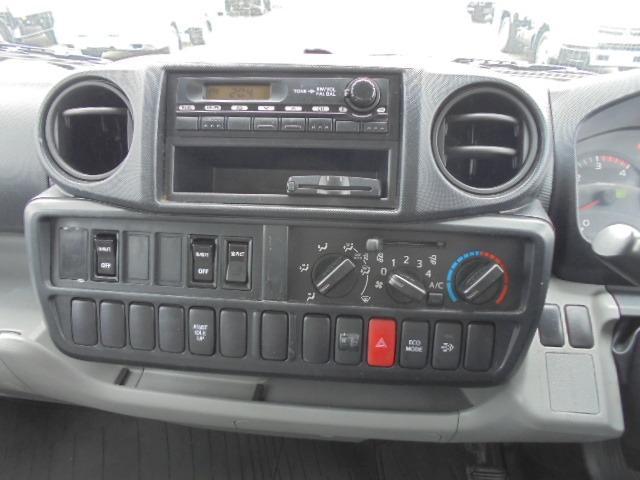 2.0t アルミバン ディーゼル 5速マニュアル車 集中ドアロック付き ETC 3人乗り エアコン パワステ パワーウインドウ(18枚目)