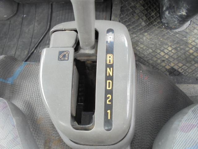 フロアオートマ車。