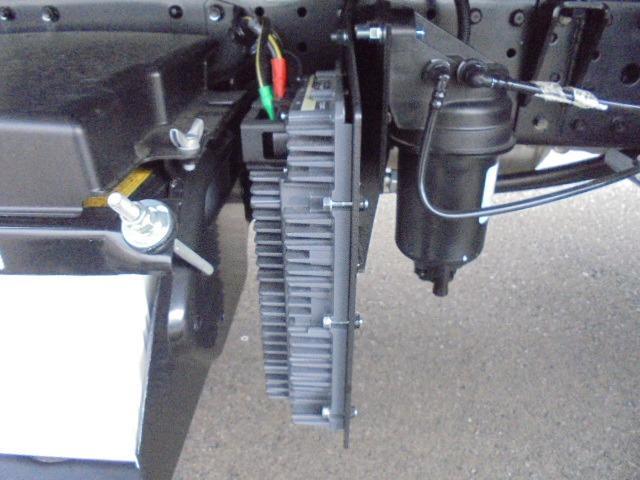 3.25t ディーゼル フラトップ積載車 衝突被害軽減ブレーキサポート 車線逸脱警報装置 車両安定制御装置 上物ラジコン付き メッキパーツ キーレス 5速マニュアル車(42枚目)