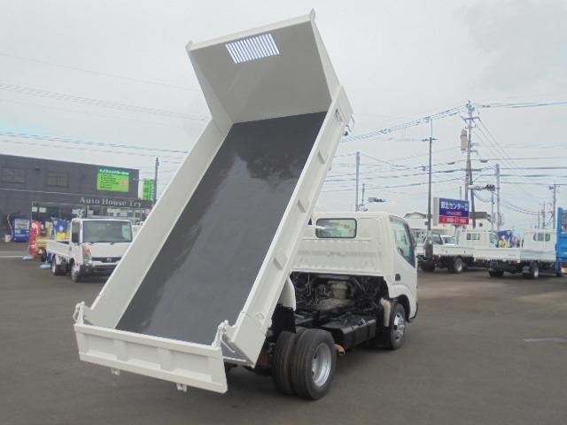 日野デュトロ2.0t低床ダンプディーゼルのオートマ車を入荷しました!!