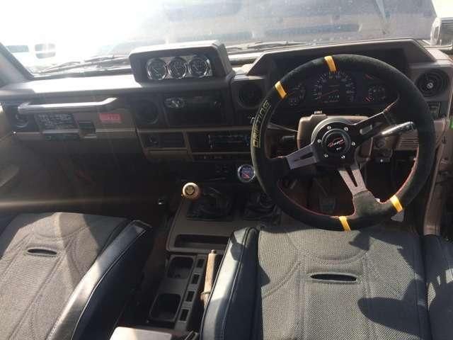 トヨタ ランドクルーザー70 ZX  HZJ77HV改 5700CCFRPボンネット