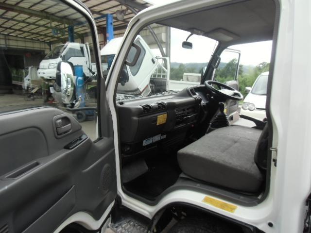 いすゞ エルフトラック 4WD低床ダンプ 内外装仕上げ済 クラッチフリー付