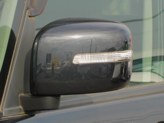 ブラック&ホワイト ・ナビTV・ETC・両側パワースライドドア・バックカメラ・オートライト・オートAC・15インチ純正アルミホイール(19枚目)