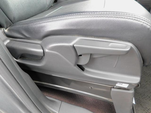 G・Lターボホンダセンシング シートカバー(黒)・純正オーディオ(TV/CD)・バックカメラ・クルコン・パドルシフト・ETC・シーケンシャルウィンカー・LEDルームライト・オートリトラミラー・両側電動スライドドア・ターボ車(12枚目)