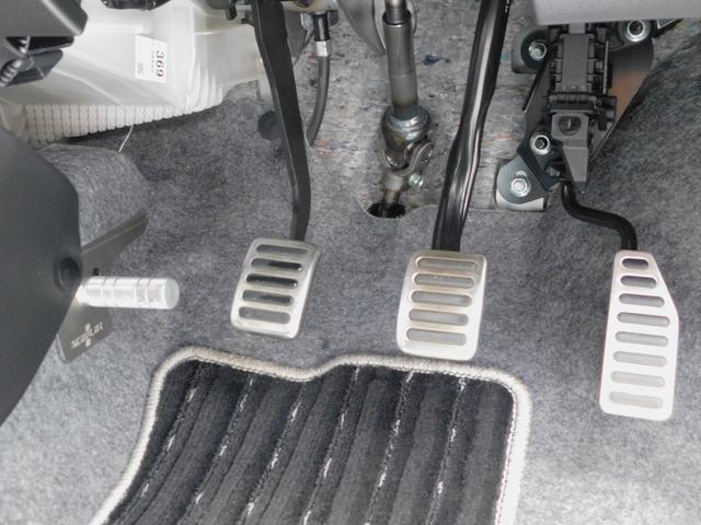 ベースグレード 5速マニュアル ターボ車 純正15インチAW フロントRECAROシート ETC ディスプレイ付オーディオ CD BluetoothAudio バックカメラ オートリトラミラー プッシュスタート(9枚目)