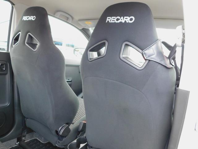 ベースグレード 5速マニュアル ターボ車 純正15インチAW フロントRECAROシート ETC ディスプレイ付オーディオ CD BluetoothAudio バックカメラ オートリトラミラー プッシュスタート(14枚目)