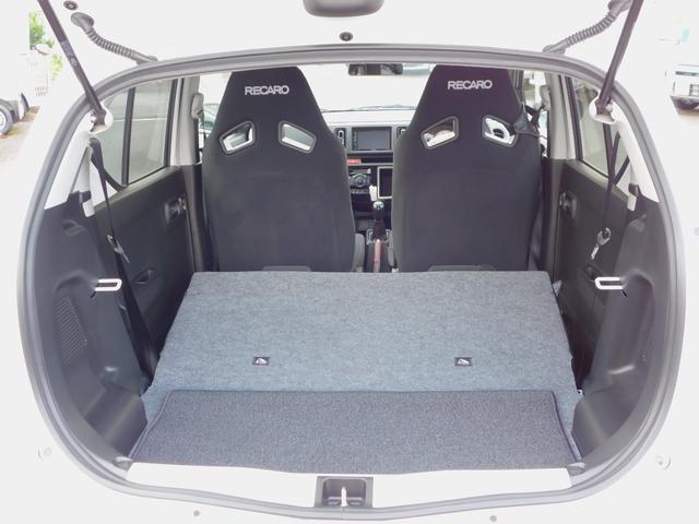 ベースグレード 5速マニュアル ターボ車 純正15インチAW フロントRECAROシート ETC ディスプレイ付オーディオ CD BluetoothAudio バックカメラ オートリトラミラー プッシュスタート(18枚目)