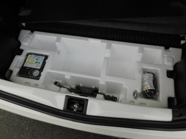 ベースグレード 5速マニュアル ターボ車 純正15インチAW フロントRECAROシート ETC ディスプレイ付オーディオ CD BluetoothAudio バックカメラ オートリトラミラー プッシュスタート(19枚目)