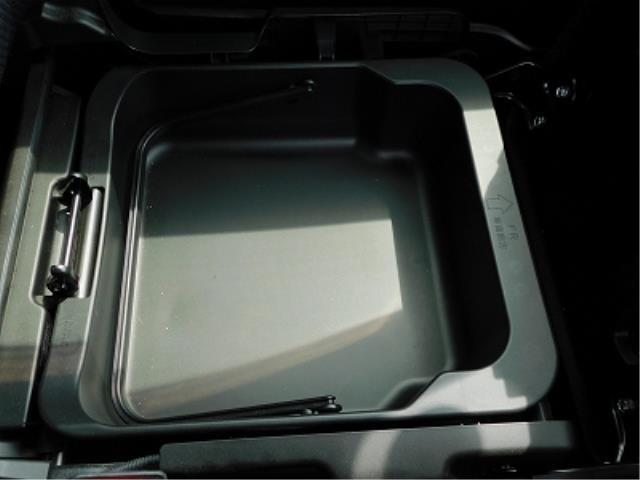 ハイブリッドXG クラリオン CD 衝突軽減ブレーキ 車線逸脱警報装置 ヘッドアップディスプレイ アイドリングストップ 助手席シートアンダーボックス シートヒーター プッシュスタート スマートキー2ケ 走行18150(12枚目)