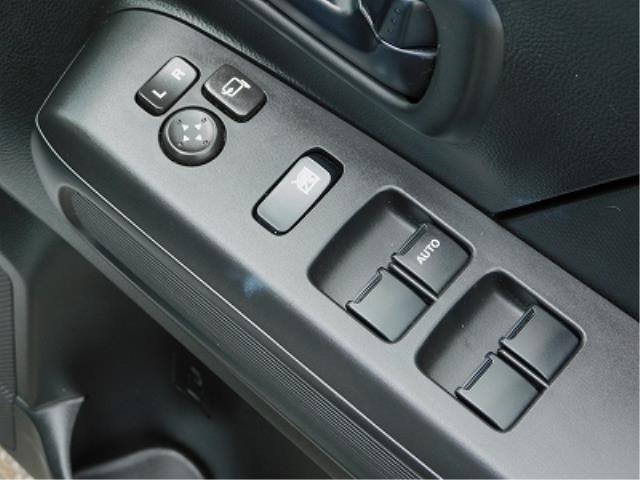 ハイブリッドXG クラリオン CD 衝突軽減ブレーキ 車線逸脱警報装置 ヘッドアップディスプレイ アイドリングストップ 助手席シートアンダーボックス シートヒーター プッシュスタート スマートキー2ケ 走行18150(17枚目)